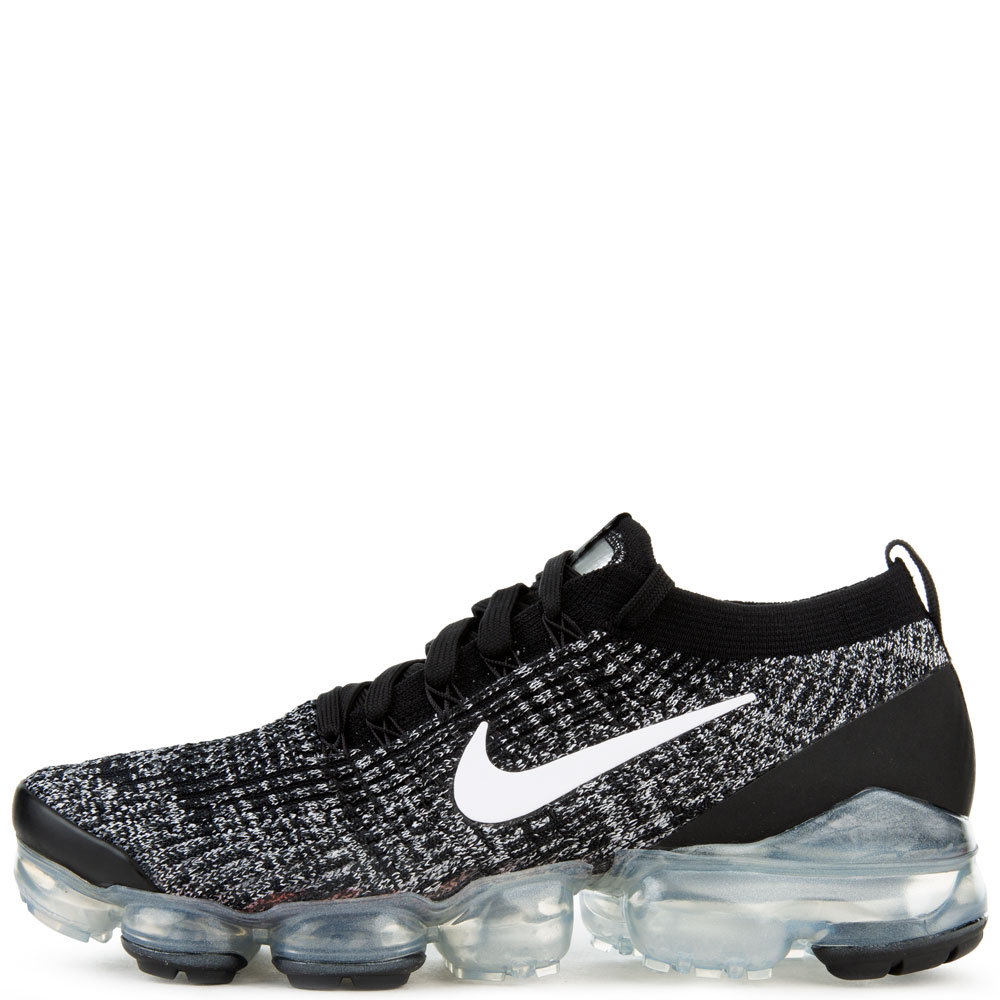 black and white vapormax flyknit