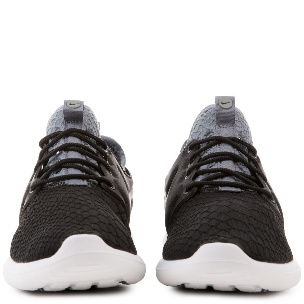 Nike Roshe Two SE Women's Shoe. Nike
