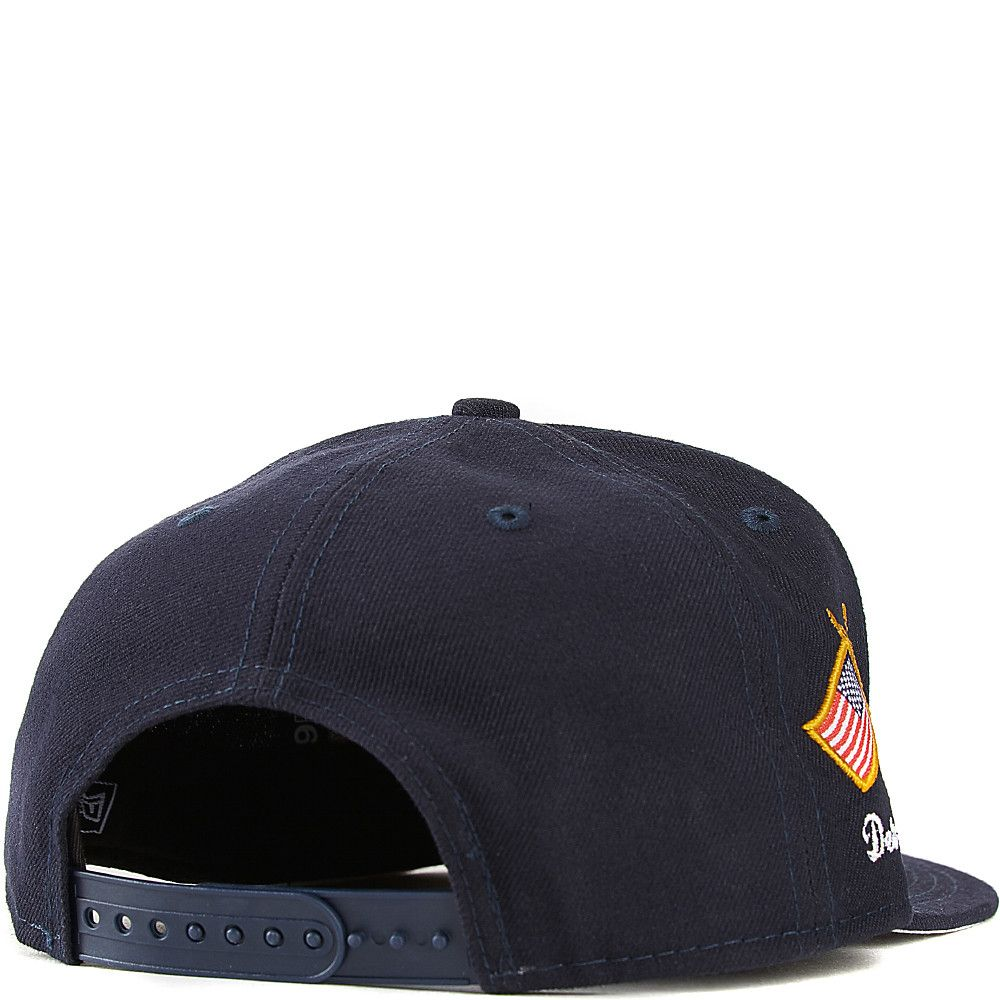 60396855 Detroit Tigers Snapback Hat DARK BLUE/GREY