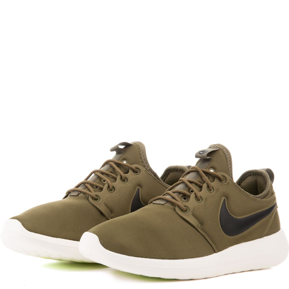 305a72f52c2a ROSHE TWO IGUANA BLACK-SAIL-VOLT