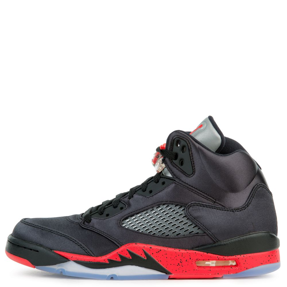1974901000f MEN'S JORDAN 5 RETRO BLACK/UNIVERSITY RED