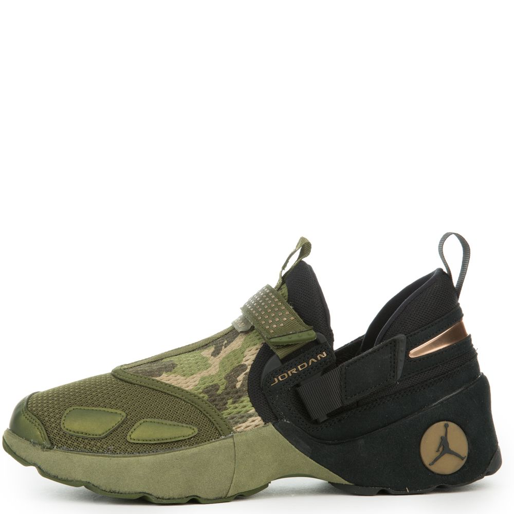 438f4a083817 Jordan Trunner Lx PR HC BLACK BLACK-LEGION GREEN-PALM ...