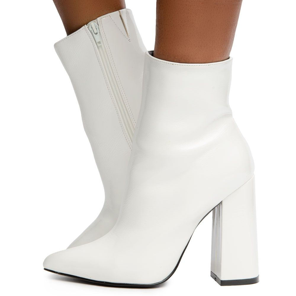 Maui-7 Pointy Toe Booties White