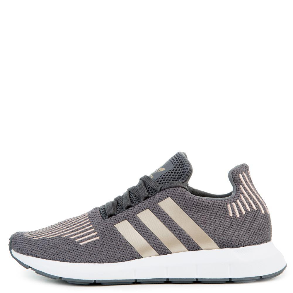 Grade School Swift Run Sneakers