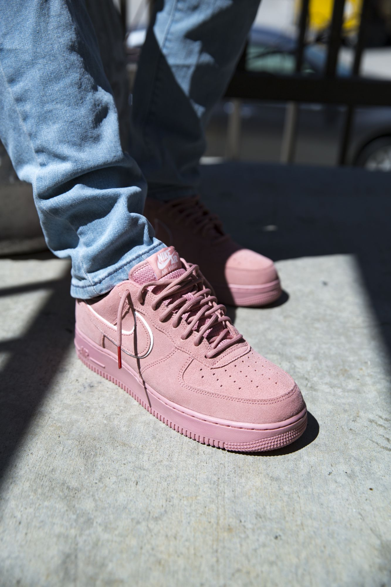MEN'S NIKE AIR FORCE 1 '07 LV8 SUEDE RED STARDUST/RED ...
