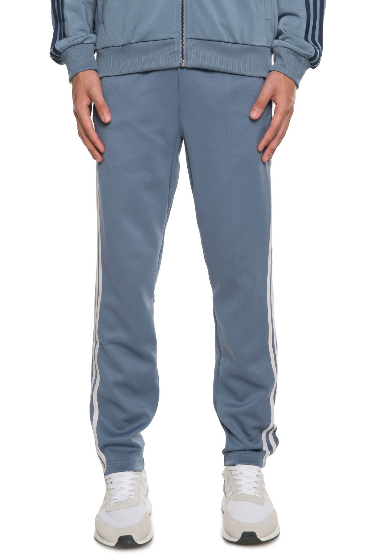 la moitié e1a48 9ad32 The ID Track Pant in Raw Steel Steel