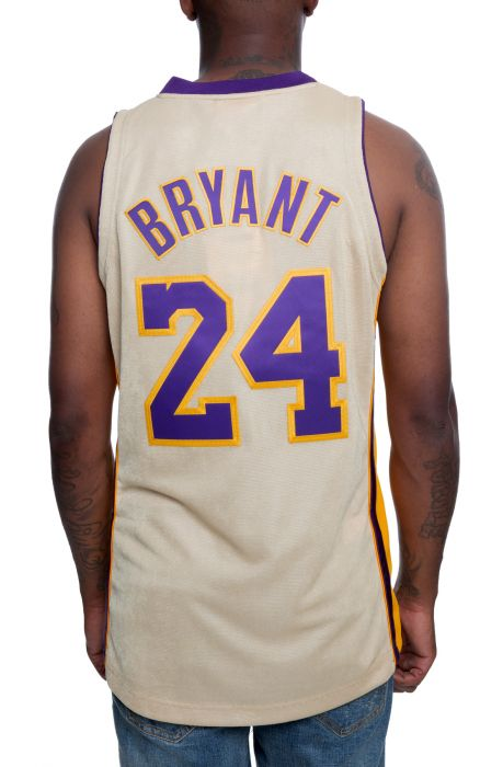 sports shoes a99b0 7ea5b Authentic Los Angeles Lakers Kobe Bryant Jersey Gold