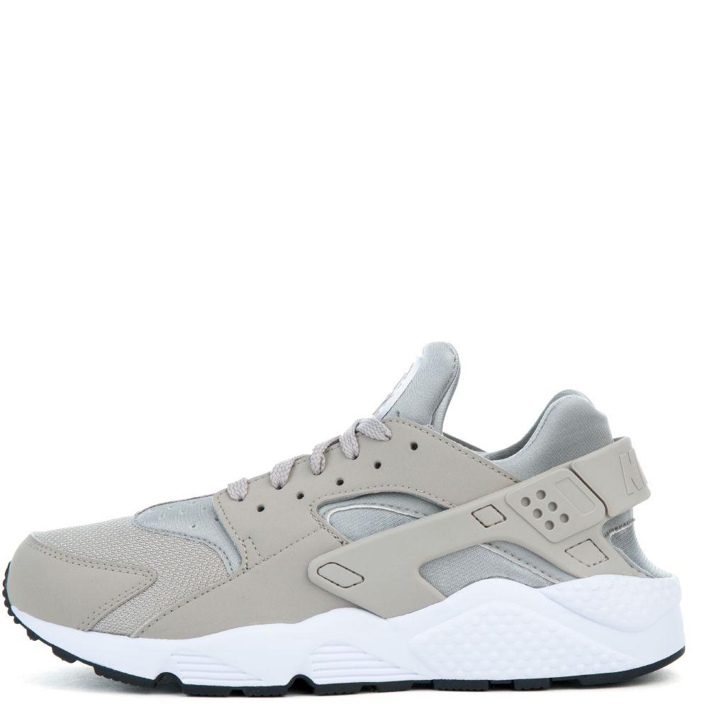 024a784d4107 ... Run Premium (NI034509) for Women in beige Buy Shoes