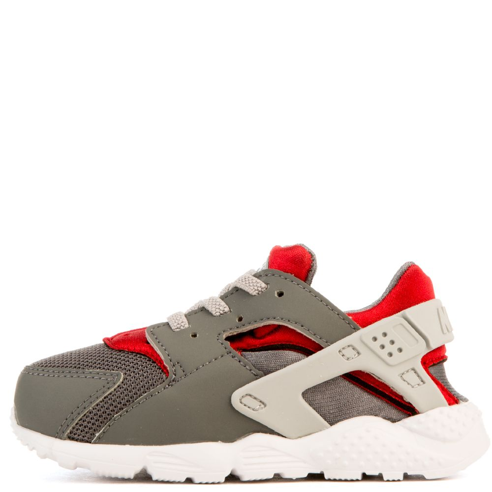 nike huarache run grey red white. Black Bedroom Furniture Sets. Home Design Ideas