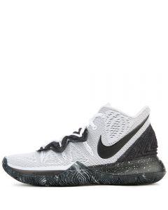 KYRIE 5 WHITE BLACK. Nike KYRIE 5 f687ca5b7